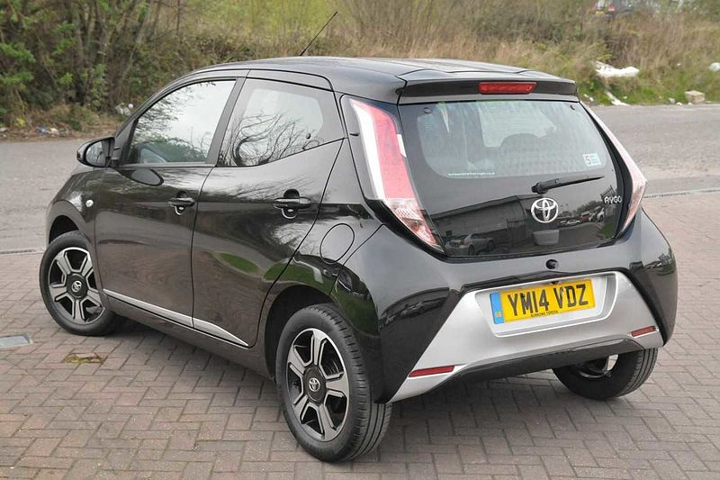 toyota aygo 1 0 vvt i x clusiv 5 dr used vehicle by. Black Bedroom Furniture Sets. Home Design Ideas